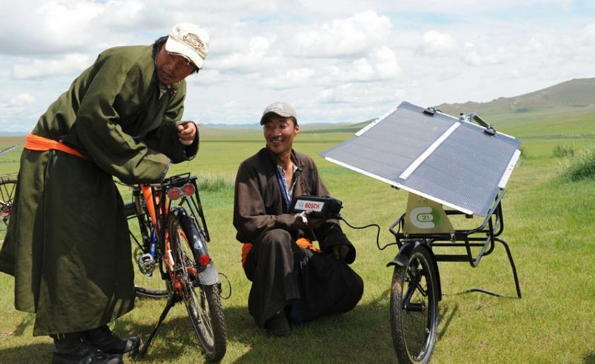 pedelec-adventures-com_tour-de-mongolia_2012-07-06_tag2_happy-mongols_dsc_1002_2_web