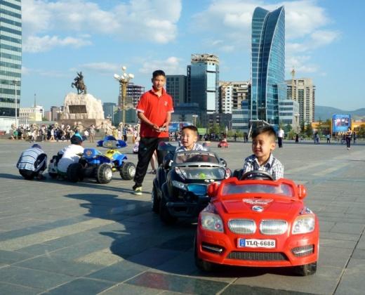 pedelec-adventures.com_Tour-de-Mongolia_Ulaanbaatar_eKids2_web