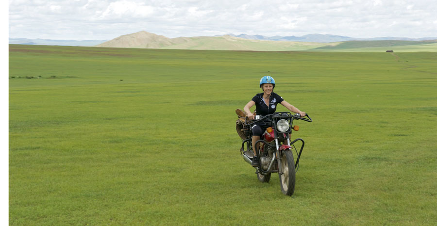pedelec-adventures-com_tour-de-mongolia_2012-07-06_tag2_susi-motorrad_dsc_1050_web