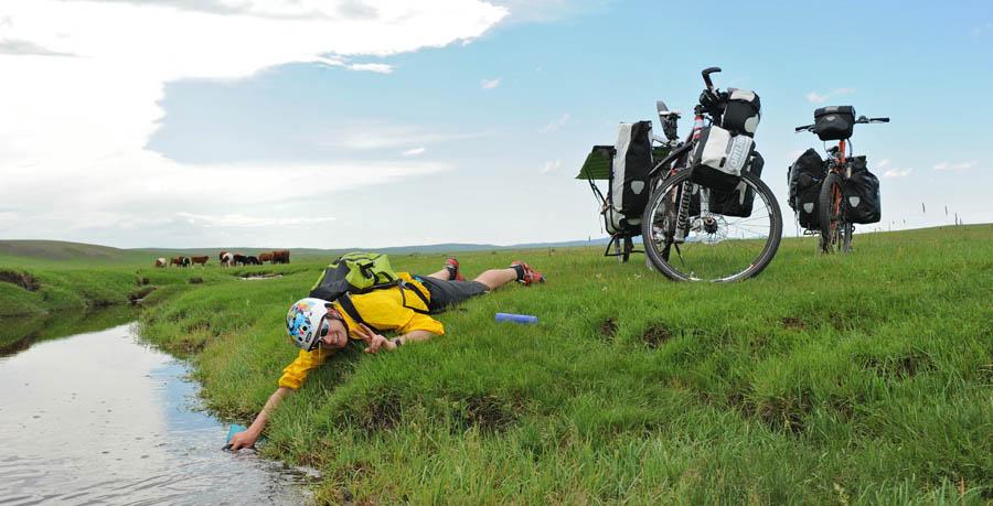 pedelec-adventures-com_tour-de-mongolia_2012-07-07_tag3_wasser-holen_dsc_1084_2_web
