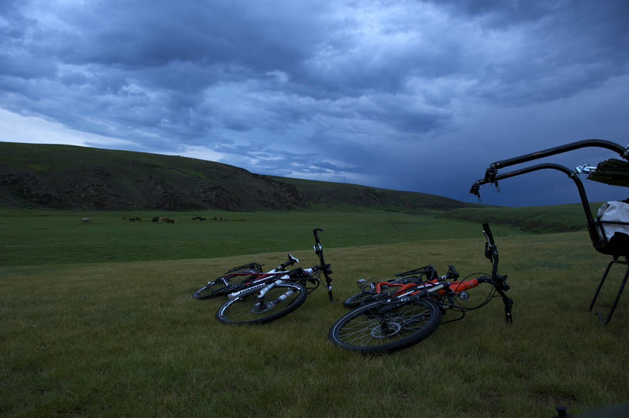 pedelec-adventures-com_tour-de-mongolia_2012-07-08_tag4_dzuil-canyon_dsc_1222