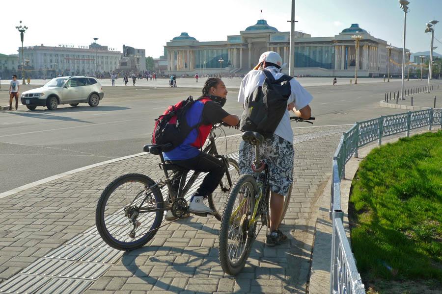 pedelec-adventures.com_Tour-de-Mongolia_Ulaanbaatar_Biker_web