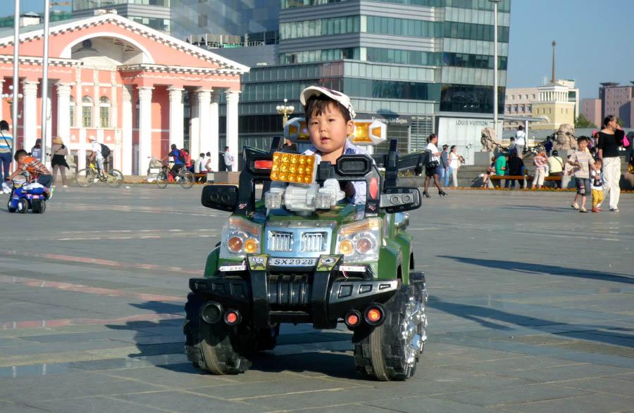 pedelec-adventures.com_Tour-de-Mongolia_Ulaanbaatar_eKids_web