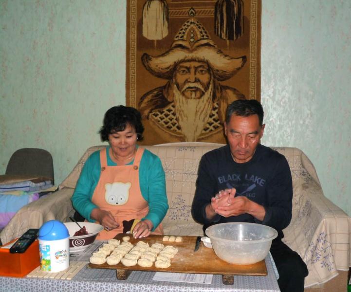 pedelec-adventures.com_Tour-de-Mongolia_buuz_web